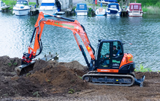 Kubota KX080-4 with Rototilt