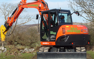 Kubota KX 080 with breaker